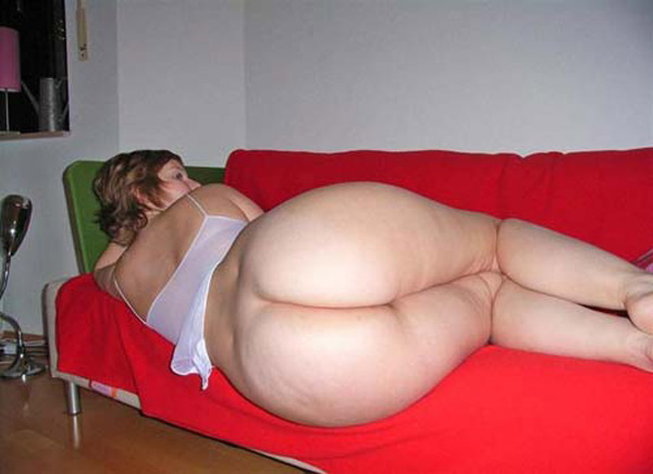 image Fat chubby latina gf showing her ass on cam