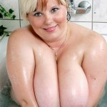 Marie-Danielle, grosse nympho blonde qui aime les TTBM