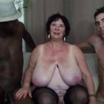 Vidéo double pénétration d'Olga, énorme mature aux loches lourdes
