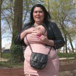 Vidéo Maman ronde aux seins énormes démontée