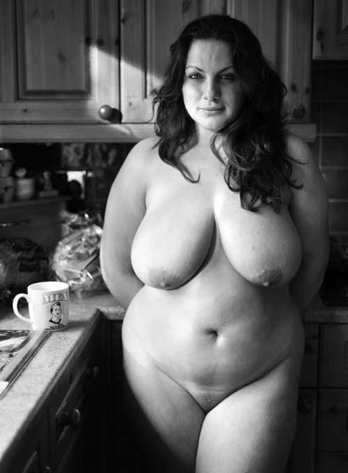 Housewife aux mamelles généreuses
