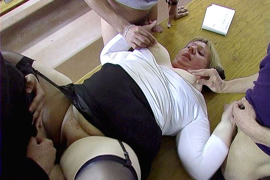 nympo milf cougars