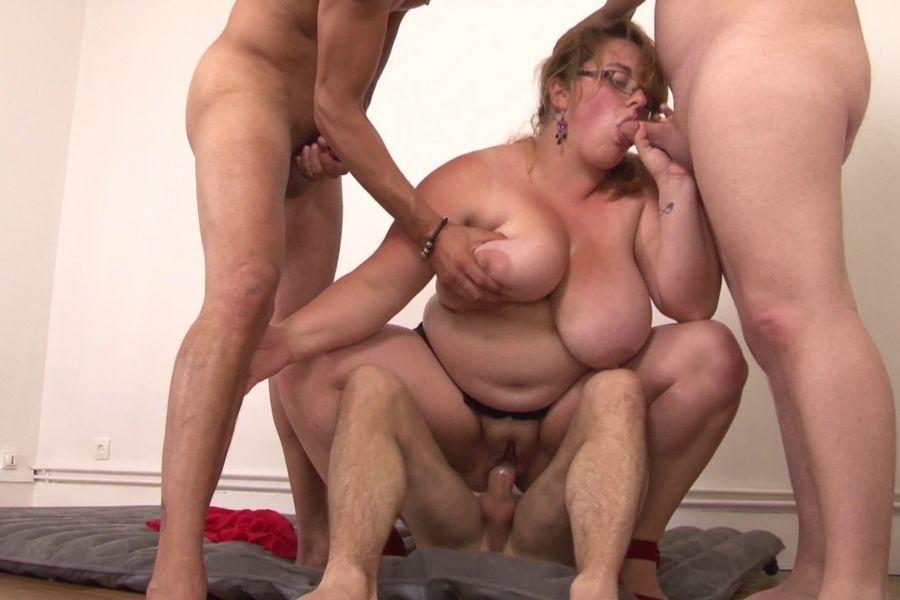 grosse femme nue massage naturiste vaucluse