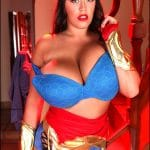 Leanne Crow Wonder Woman BBW et hot ( 16 pics )
