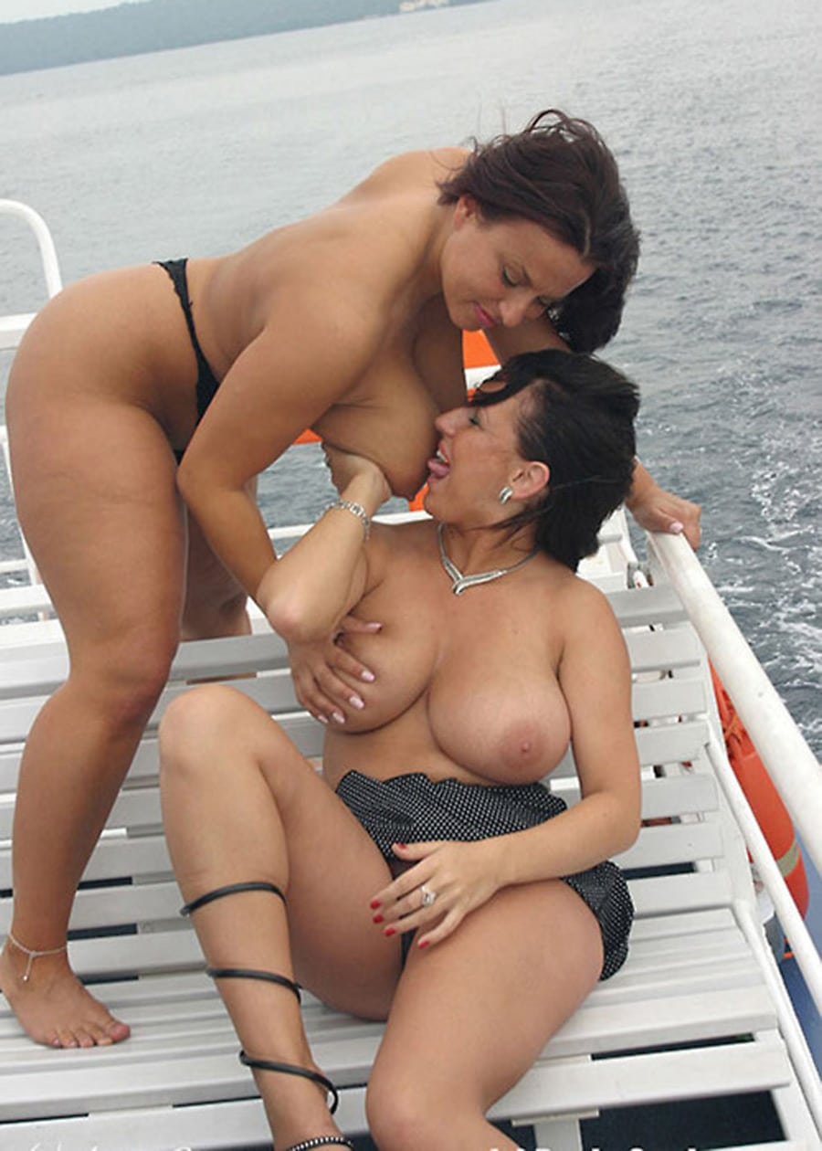 Gros nichons lesbiennes-4026