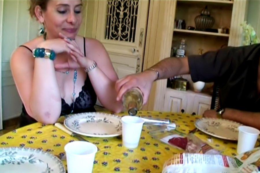 Hélène, grassouillette divorcée en manque de sexe