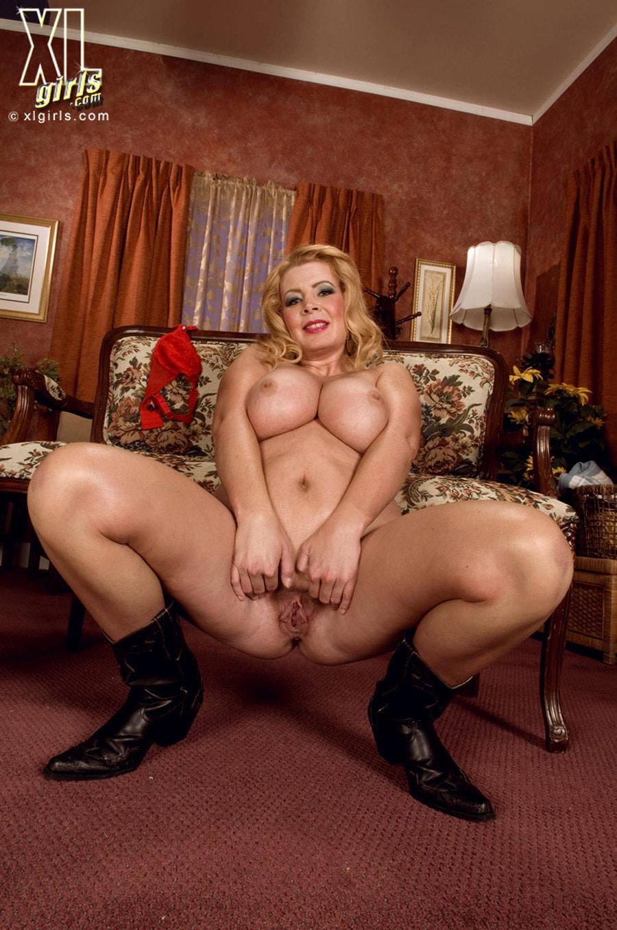 femme chaude nue chatte pulpeuse
