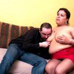 Epouse arabe grassouillette niquée devant son mari à La Courneuve