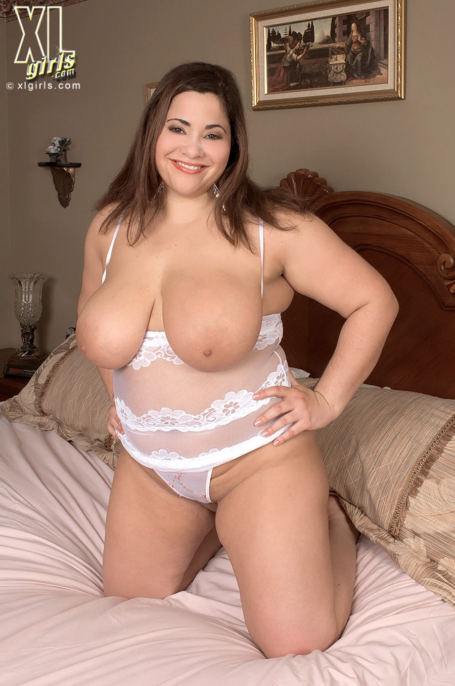 Gia Johnson, Bbw Hot En Lingerie Blanche  Grossefemmenet-3013