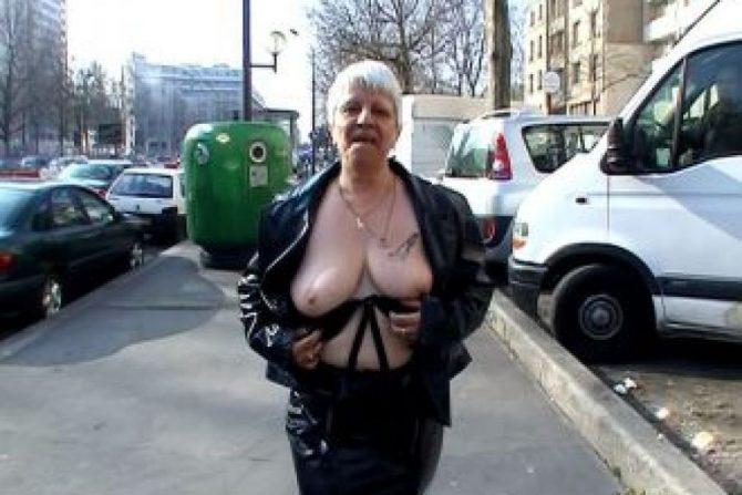 Cette femme a le record des plus gros seins qui tombent !